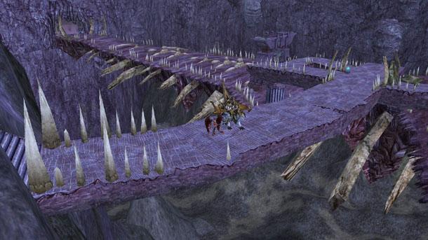 ドラゴ・エクリプス入り口から奥に向かうブリッジ